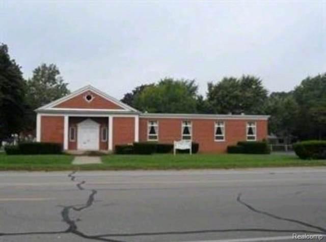 2630 Village Road, Dearborn, MI 48124 (MLS #R2210049511) :: Berkshire Hathaway HomeServices Snyder & Company, Realtors®