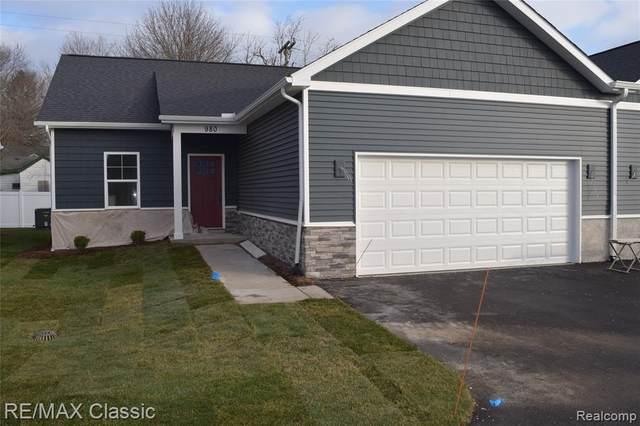 920 E Clinton Street, Howell, MI 48843 (MLS #R2210049755) :: Berkshire Hathaway HomeServices Snyder & Company, Realtors®
