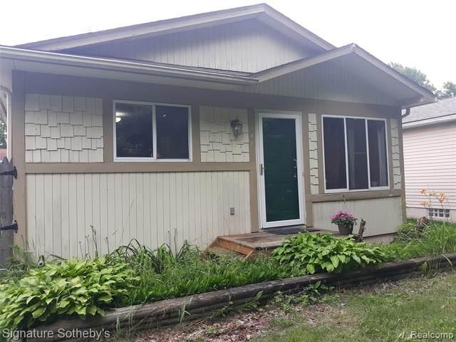 1187 Hendricks Way, Waterford, MI 48328 (MLS #R2210050759) :: Berkshire Hathaway HomeServices Snyder & Company, Realtors®