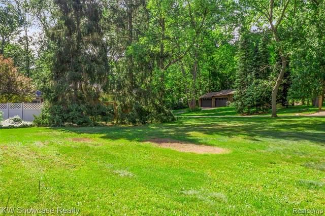 0 Crestmore Street, West Bloomfield, MI 48323 (MLS #R2210050978) :: Berkshire Hathaway HomeServices Snyder & Company, Realtors®