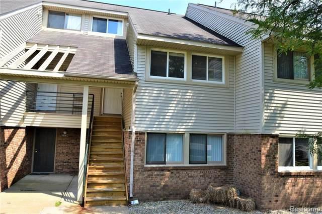 2832 Davison Avenue #8, Auburn Hills, MI 48326 (MLS #R2210054416) :: Berkshire Hathaway HomeServices Snyder & Company, Realtors®