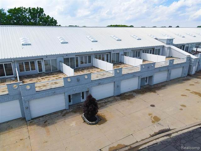 53 Sea Ray Boulevard, Harrison, MI 48045 (MLS #R2210060107) :: Berkshire Hathaway HomeServices Snyder & Company, Realtors®
