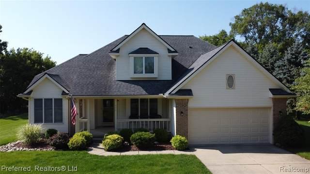 800 Darwin Drive, Chelsea, MI 48118 (MLS #R2210061152) :: Berkshire Hathaway HomeServices Snyder & Company, Realtors®