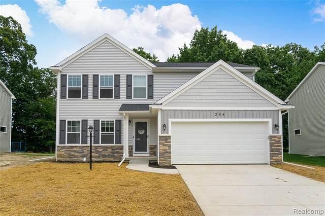 244 Laura Lane, Linden, MI 48451 (MLS #R2210059936) :: Berkshire Hathaway HomeServices Snyder & Company, Realtors®
