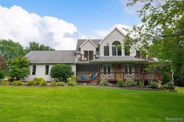 10198 Bennett Lake Road, Fenton, MI 48430 (MLS #R2210059947) :: Berkshire Hathaway HomeServices Snyder & Company, Realtors®