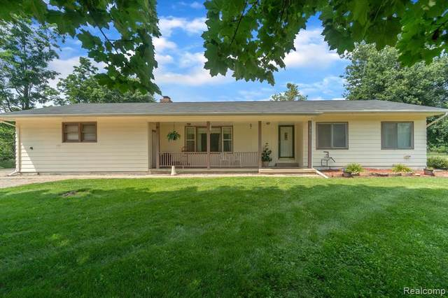 4661 Crooked Lake Road, Howell, MI 48843 (MLS #R2210057379) :: Berkshire Hathaway HomeServices Snyder & Company, Realtors®