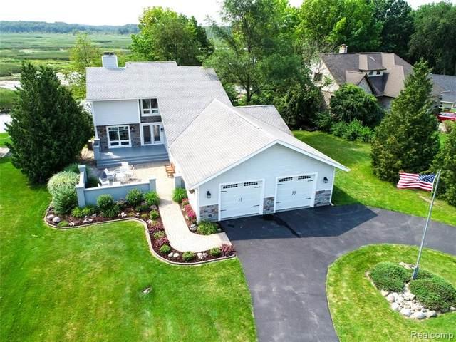 7254 Theather, Fenton, MI 48430 (MLS #R2210060828) :: Berkshire Hathaway HomeServices Snyder & Company, Realtors®