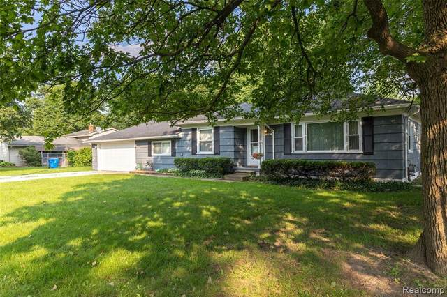 6541 Williams Lake Road, Waterford, MI 48329 (MLS #R2210061699) :: Berkshire Hathaway HomeServices Snyder & Company, Realtors®