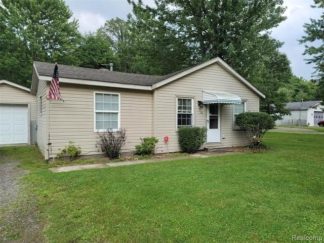 200 Pickford Road, Kimball, MI 48074 (MLS #R2210061796) :: Berkshire Hathaway HomeServices Snyder & Company, Realtors®