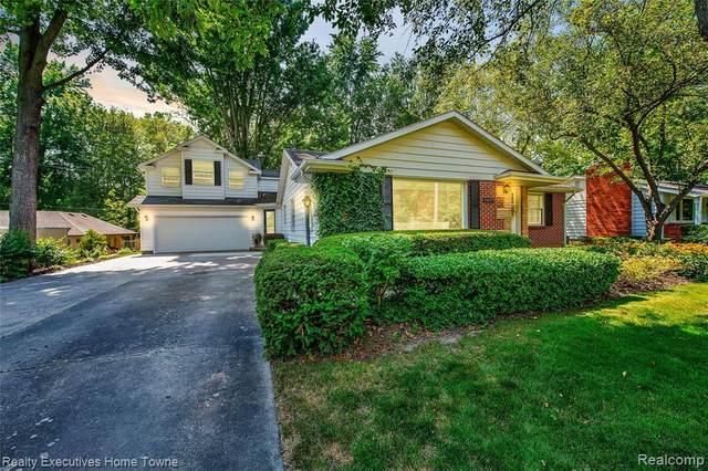 4897 Lakeshore Road, Fort Gratiot, MI 48059 (MLS #R2210061762) :: Berkshire Hathaway HomeServices Snyder & Company, Realtors®
