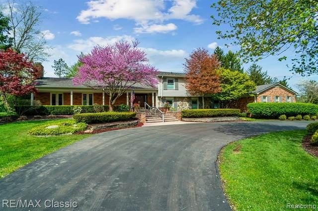 12881 Beacon Hill Drive, Plymouth, MI 48170 (MLS #R2210061893) :: Berkshire Hathaway HomeServices Snyder & Company, Realtors®