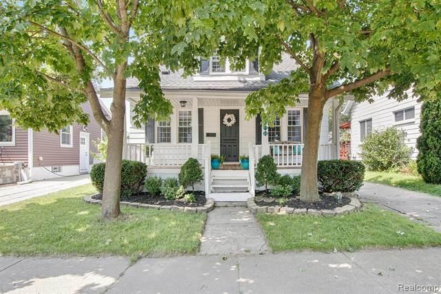 3801 Oakshire Avenue, Berkley, MI 48072 (MLS #R2210061579) :: Berkshire Hathaway HomeServices Snyder & Company, Realtors®