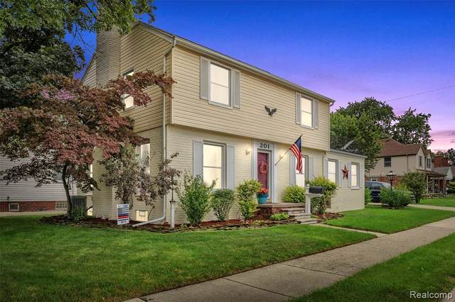 201 Devonshire Street, Dearborn, MI 48124 (MLS #R2210064440) :: Berkshire Hathaway HomeServices Snyder & Company, Realtors®