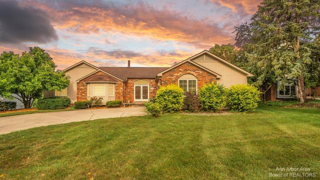 2385 St. Francis Drive, Ann Arbor, MI 48104 (MLS #3283358) :: Berkshire Hathaway HomeServices Snyder & Company, Realtors®