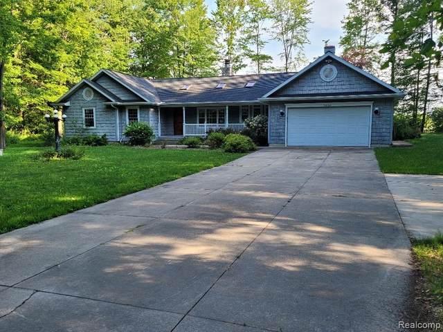 3030 E Maple Hill, Midland, MI 48642 (MLS #R2210068210) :: Berkshire Hathaway HomeServices Snyder & Company, Realtors®