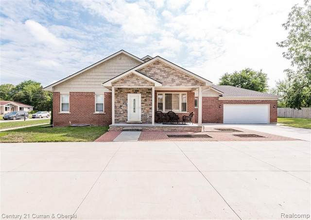 27337 Doxtator Street, Dearborn Heights, MI 48127 (MLS #R2210068864) :: Berkshire Hathaway HomeServices Snyder & Company, Realtors®