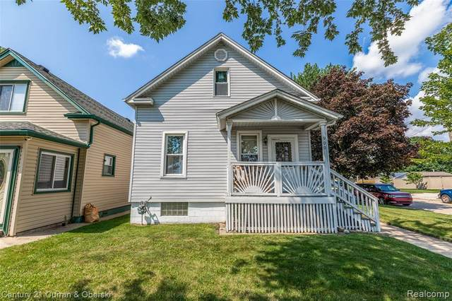 900 Forest Street, Wyandotte, MI 48192 (MLS #R2210070324) :: Berkshire Hathaway HomeServices Snyder & Company, Realtors®