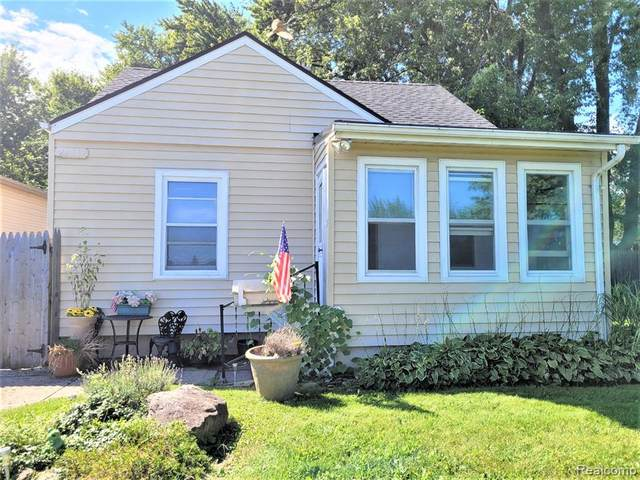 28919 Maplewood Street, Garden City, MI 48135 (MLS #R2210070894) :: Berkshire Hathaway HomeServices Snyder & Company, Realtors®