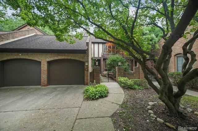 13 Timberlane, Dearborn, MI 48126 (MLS #R2210070024) :: Berkshire Hathaway HomeServices Snyder & Company, Realtors®