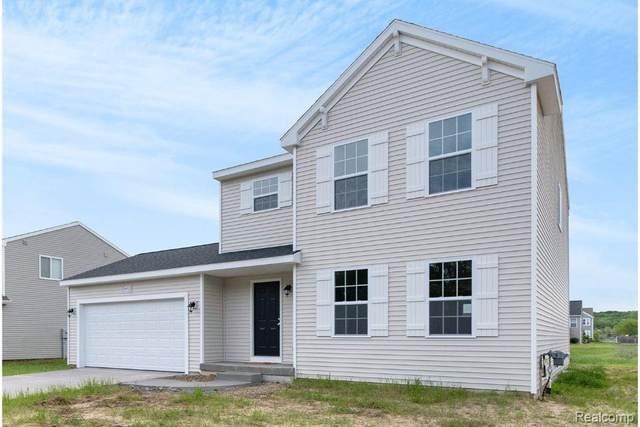 1042 Kemperwood, Howell, MI 48843 (MLS #R2210071814) :: Berkshire Hathaway HomeServices Snyder & Company, Realtors®
