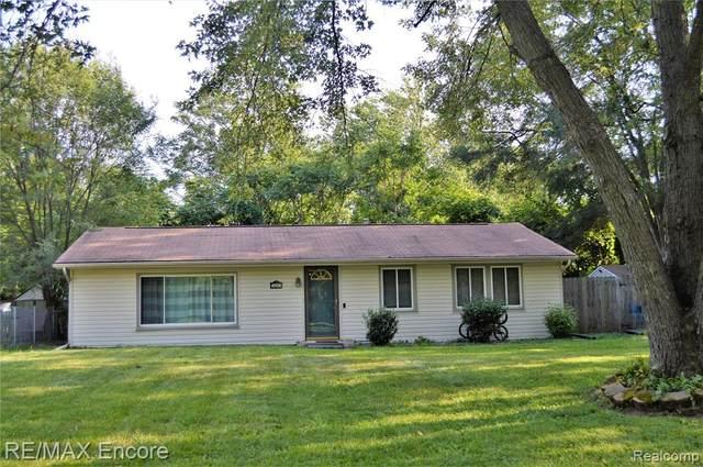 4091 Wenonah Lane, Waterford, MI 48328 (MLS #R2210070742) :: Berkshire Hathaway HomeServices Snyder & Company, Realtors®