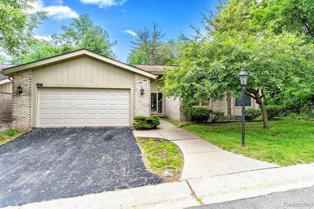 7227 Suncrest Road, West Bloomfield, MI 48322 (MLS #R2210072168) :: Berkshire Hathaway HomeServices Snyder & Company, Realtors®