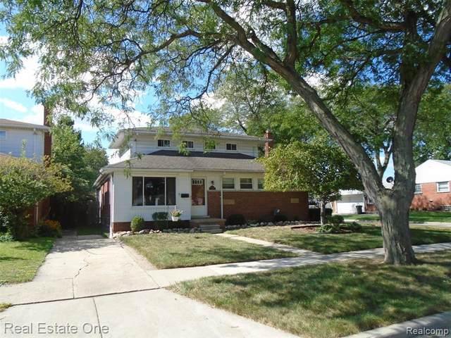 19806 Shady Lane, Saint Clair Shores, MI 48080 (MLS #R2210073538) :: Berkshire Hathaway HomeServices Snyder & Company, Realtors®