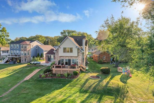 788 Wolverine Drive, Wolverine Lake, MI 48390 (MLS #R2210071807) :: Berkshire Hathaway HomeServices Snyder & Company, Realtors®