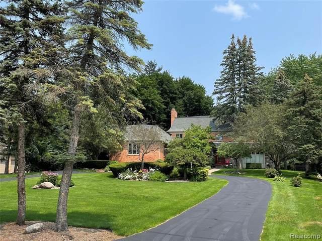 811 Hidden Pine Road, Bloomfield Hills, MI 48304 (MLS #R2210069812) :: Berkshire Hathaway HomeServices Snyder & Company, Realtors®