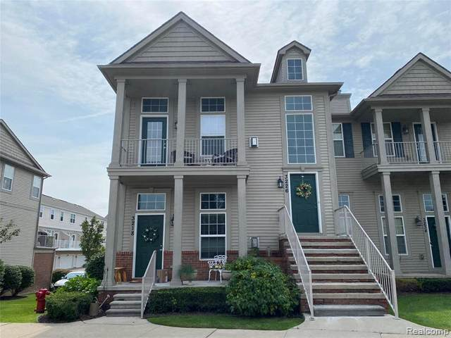 3226 Grand Circle Park, Lake Orion, MI 48359 (MLS #R2210072985) :: Berkshire Hathaway HomeServices Snyder & Company, Realtors®