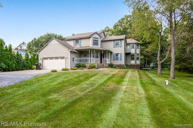 13981 Plover Drive, Hartland, MI 48353 (MLS #R2210075193) :: Berkshire Hathaway HomeServices Snyder & Company, Realtors®