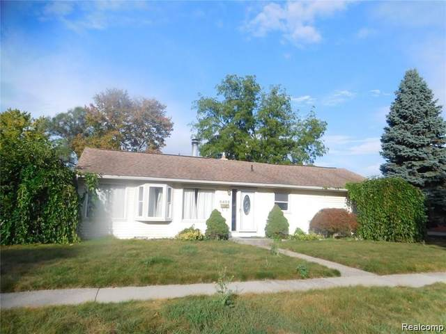 8405 Robindale Avenue, Dearborn Heights, MI 48127 (MLS #R2210073254) :: Berkshire Hathaway HomeServices Snyder & Company, Realtors®