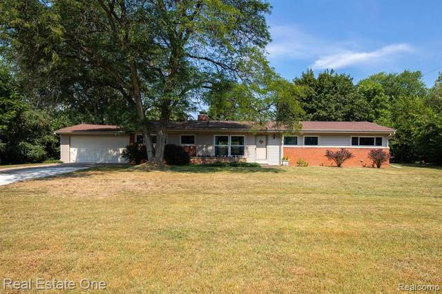 32711 Balmoral Knls, Farmington Hills, MI 48334 (MLS #R2210074532) :: Berkshire Hathaway HomeServices Snyder & Company, Realtors®