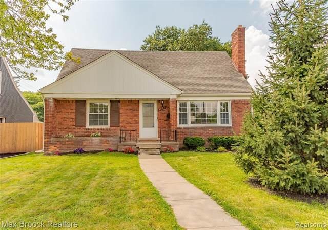 1723 Edgewood Drive, Royal Oak, MI 48067 (MLS #R2210075625) :: Berkshire Hathaway HomeServices Snyder & Company, Realtors®