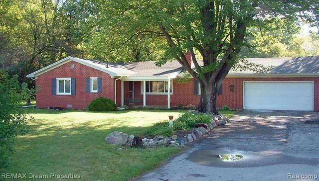 3315 Denton Rd, Van Buren Twp, MI 48188 (MLS #R2210075630) :: Berkshire Hathaway HomeServices Snyder & Company, Realtors®