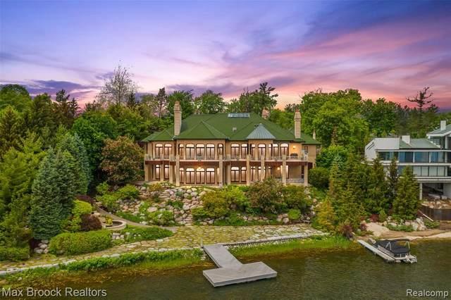 1567 Island Lane, Bloomfield Hills, MI 48302 (MLS #R2210075655) :: Berkshire Hathaway HomeServices Snyder & Company, Realtors®