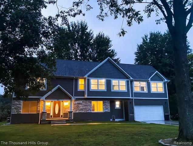 882 Hannah Drive, Troy, MI 48085 (MLS #R2210075778) :: Berkshire Hathaway HomeServices Snyder & Company, Realtors®