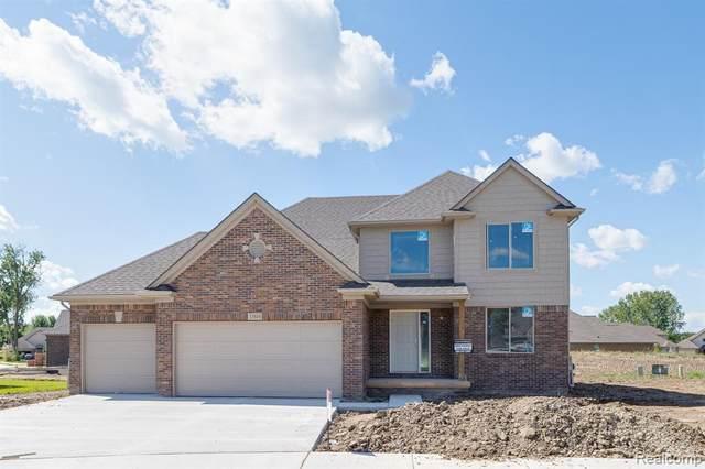 33808 Kara, Clinton Township, MI 48047 (MLS #R2210075499) :: Berkshire Hathaway HomeServices Snyder & Company, Realtors®