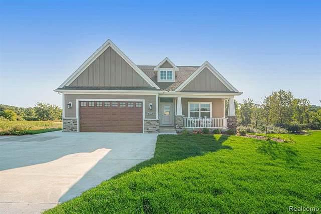 4800 Chestnut Springs Drive, Howell, MI 48843 (MLS #R2210075505) :: Berkshire Hathaway HomeServices Snyder & Company, Realtors®