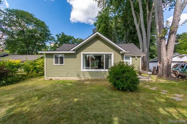 11122 Beryl Drive, White Lake, MI 48386 (MLS #R2210076337) :: Berkshire Hathaway HomeServices Snyder & Company, Realtors®