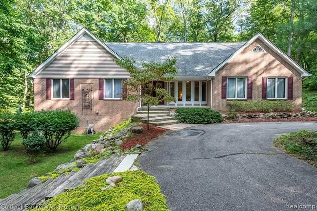 9964 Hemlock, Clarkston, MI 48348 (MLS #R2210075047) :: Berkshire Hathaway HomeServices Snyder & Company, Realtors®