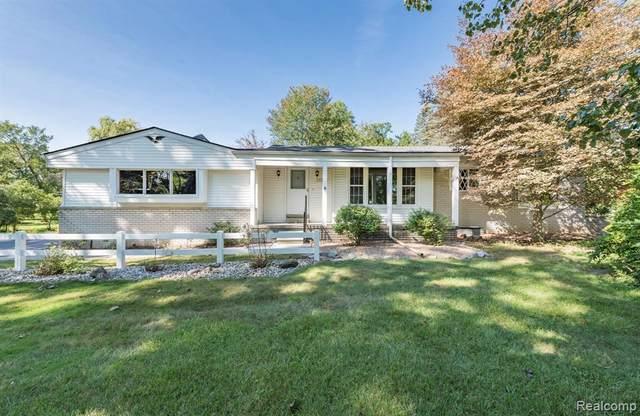 24645 Westmoreland Drive, Farmington Hills, MI 48336 (MLS #R2210070104) :: Berkshire Hathaway HomeServices Snyder & Company, Realtors®