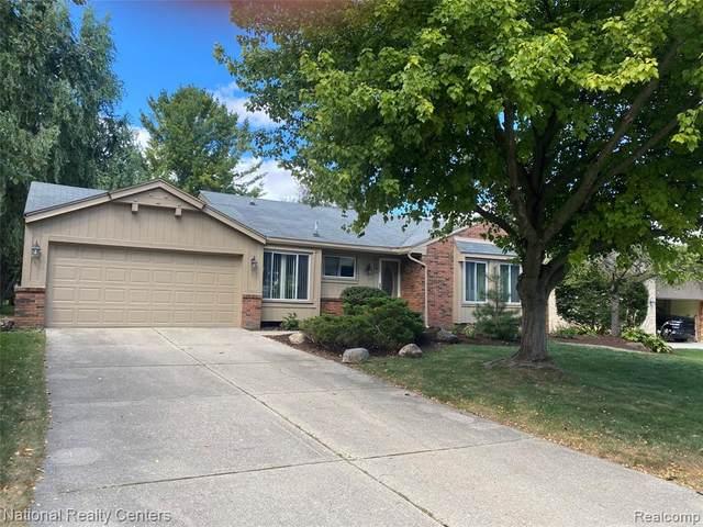 2262 Cumberland Road, Rochester Hills, MI 48307 (MLS #R2210077247) :: Berkshire Hathaway HomeServices Snyder & Company, Realtors®
