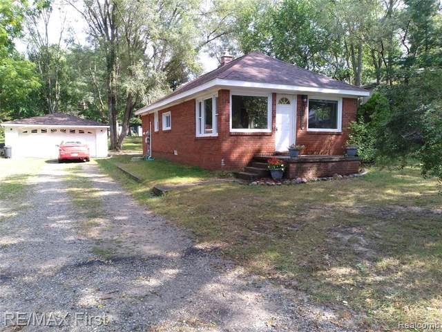 1860 Ladd Road, Wolverine Lake, MI 48390 (MLS #R2210073711) :: Berkshire Hathaway HomeServices Snyder & Company, Realtors®