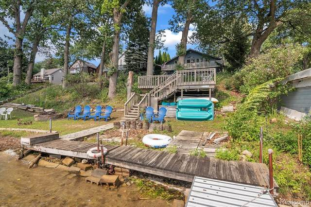 3235 Mccormick Drive, Waterford, MI 48328 (MLS #R2210076831) :: Berkshire Hathaway HomeServices Snyder & Company, Realtors®