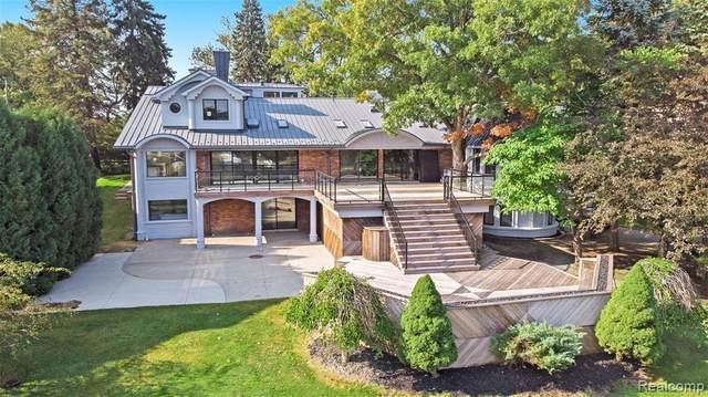 2440 Lake Angelus Lane, Lake Angelus, MI 48326 (MLS #R2210077908) :: Berkshire Hathaway HomeServices Snyder & Company, Realtors®