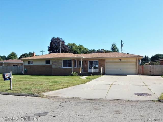 55 Edgelake Drive, Waterford, MI 48327 (MLS #R2210078684) :: Berkshire Hathaway HomeServices Snyder & Company, Realtors®