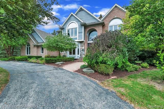 519 Brownley, Bloomfield Hills, MI 48304 (MLS #R2210076381) :: Berkshire Hathaway HomeServices Snyder & Company, Realtors®