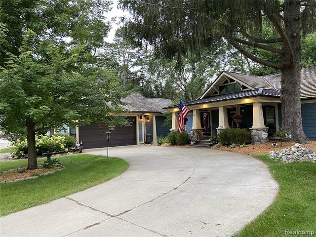 530 Benson Avenue, Milford, MI 48381 (MLS #R2210078971) :: Berkshire Hathaway HomeServices Snyder & Company, Realtors®