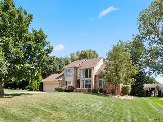 22128 Buckingham Dr, Farmington Hills, MI 48335 (MLS #R2210079010) :: Berkshire Hathaway HomeServices Snyder & Company, Realtors®